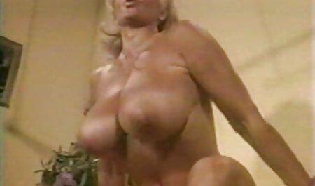 Zwei Schwänze in porno videos zum runterladen der jungen Hure