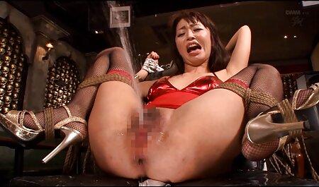 Blondes Ebenholzküken spritzte über ihre Titten kostenlose pornofilme runterladen