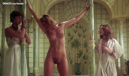 Dalila Di Lazzaro - pornofilme laden Spogliando Valeria