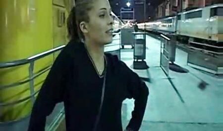 Die einsame Mutter Kendra Lust pornos legal runterladen wird von einem Freund ihres Sohnes verführt