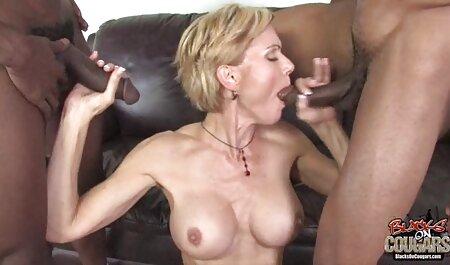 Blonde Herrin spielt mit ihrer sexy Sexsklavin pornovideos downloaden