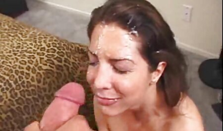 Brünette kostenlose pornofilme runterladen Babe wird hart gefistet und abspritzen in den Mund